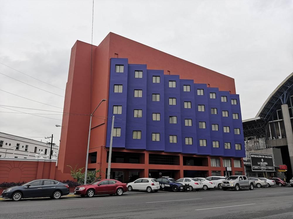 Son Mar Monterrey Hotel