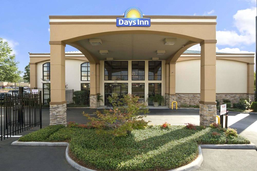 Days Inn & Suites Tuscaloosa - University of Alabama